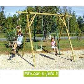 Portique bois 4 jeux  P206. vis a vis balancoire + corde à noeuds, et une échelle. Ce portique enfant est en bois traité