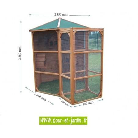 Dimensions de la voliere bois hexagonale PO H23 . Cette volière extérieure en bois non traité est teintée coloris miel