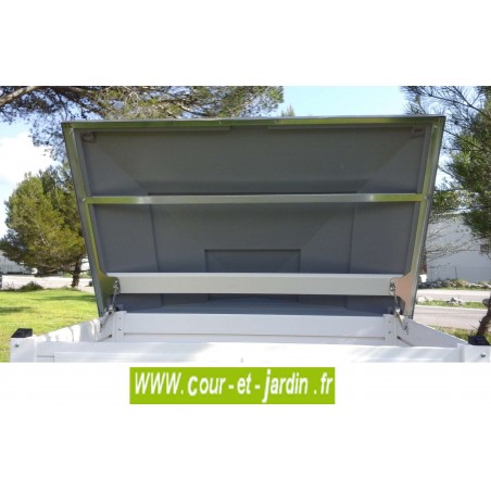 """vue intérieure du couvercle du coffre de rangement jardin """"BOX 100""""  -  coffre de jardin PVC"""