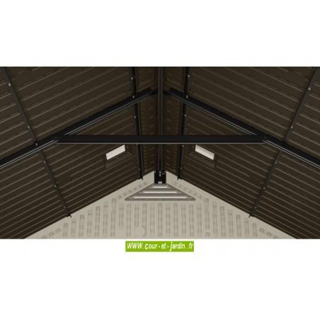 Vue intérieure du toit des abris moto ou abris vélo Suncast Storeplus. Ce cabanon de jardin fait 6.24 m² de surface utile.