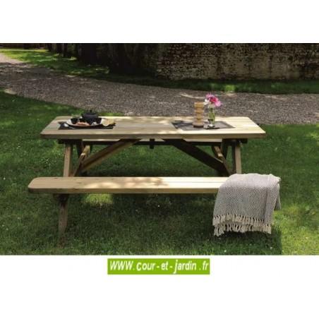 """Table avec banc """"Robuste"""". Cette table en bois avec banc, ou table de pique nique en bois, est traitée autoclave"""