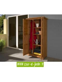Armoire de balcon haute en bois. Cette armoire pour balcon ou armoire pour terrasse est en bois raboté et lasuré
