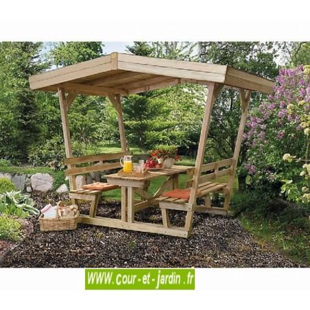 Table en bois avec banc, tonnelle ou pergola pour pique nique